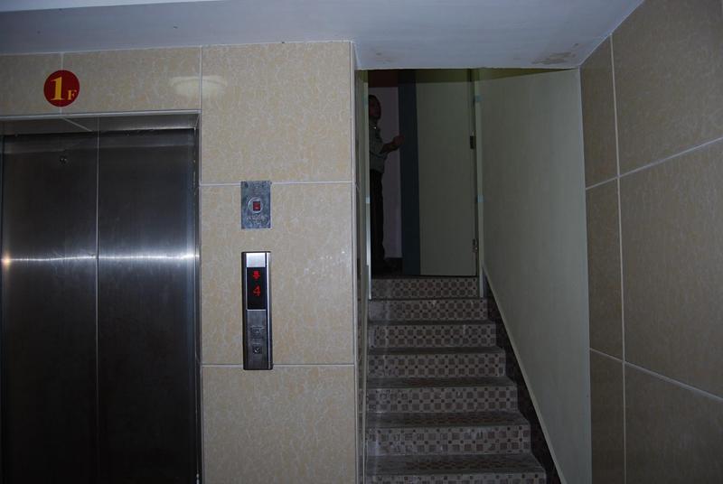 梅江区一酒店未设置封闭楼梯间、室内消火栓损坏