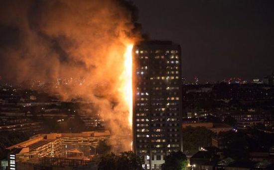 伦敦大火公寓几乎被燃尽 系4楼住户冰箱着火引起